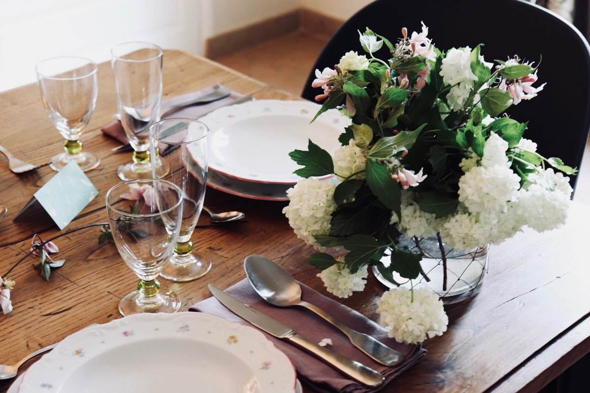 setting summer table, French countryside